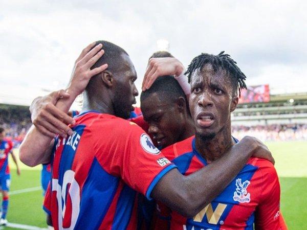 Palace kalahkan Tottenham 3-0