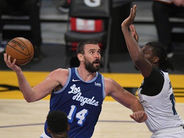 Keinginan pulang Marc Gasol ke Spanyol jadi alasan Lakers rekrut Deandre Jordan.
