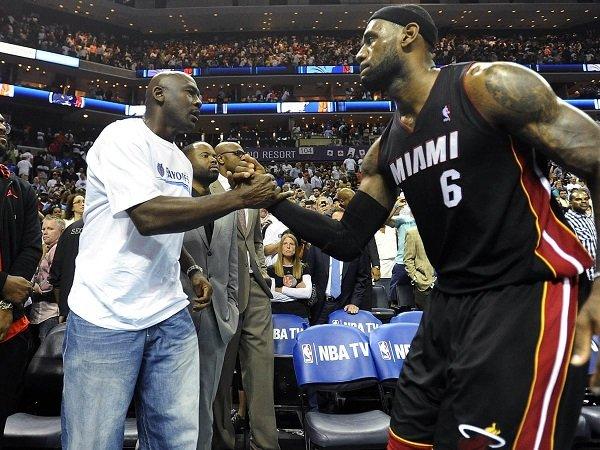 Michael Jordan mengaku tahu cara untuk meredam dominasi dari LeBron James.