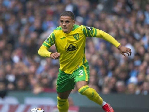 Norwich City tolak pinjamkan Max Aarons pada Borussia Dortmund