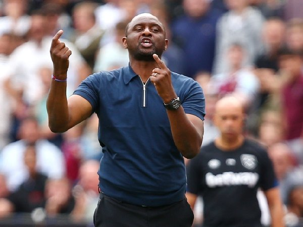 Patrick Vieira sempat tertarik gabung Tottenham