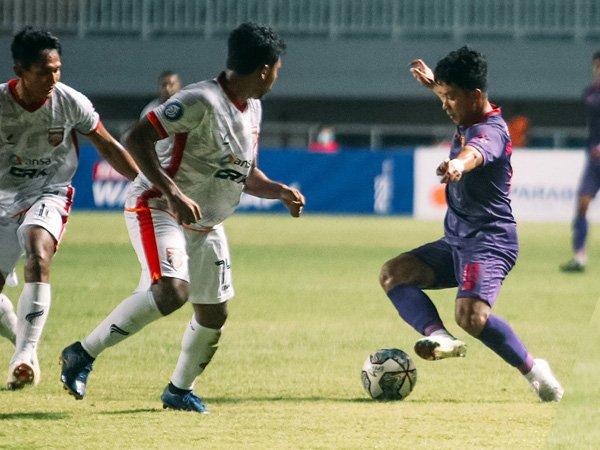 Laga Persik Kediri kontra Borneo FC