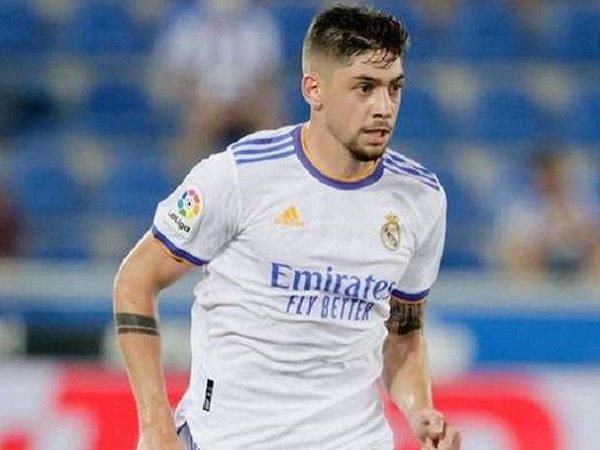 Carlo Ancelotti bingung tentukan pilihan untuk perkuat lini tengah Real Madrid.