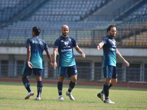 Dua gelandang baru Persib, Marc Klok dan Mohammed Rashid