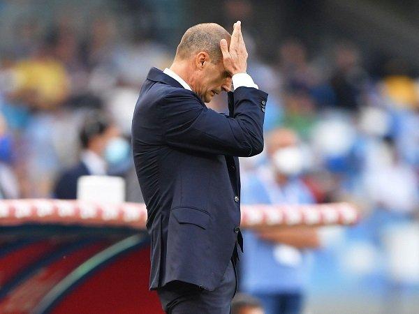 Massimiliano Allegri tak mau cela pemain atas kekalahan Juventus.