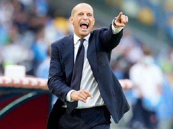 Massimiliano Allegri tak panik meski Juventus dikalahkan Napoli.