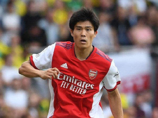 Takehiro Tomiyasu melakoni debutnya untuk Arsenal melawan Norwich City