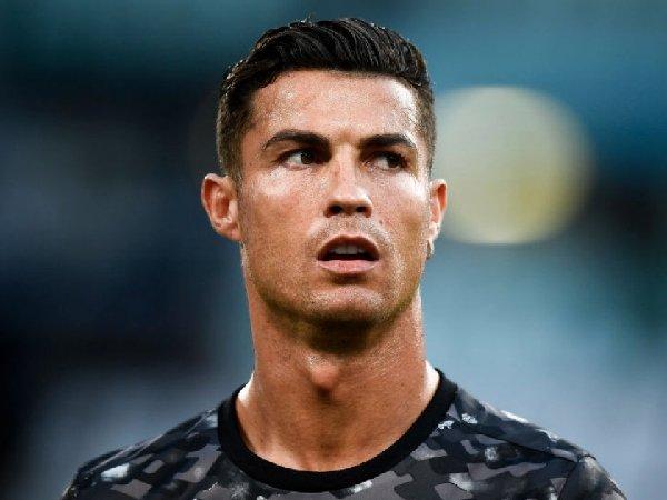 Mark Bosnich meyakini bahwa Cristiano Ronaldo akan membuat MU jadi penantang gelar juara