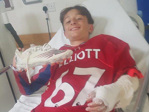 Elliott Buat Bocah Ini Bahagia Pada Hari Terburuk dalam Kariernya