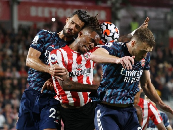 Ivan Toney melancarkan serangan brutal terhadap Arsenal