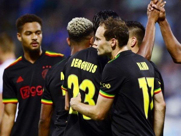 UEFA Perintahkan Ajax untuk Ubah Jersey yang Terinspirasi dari Bob Marley