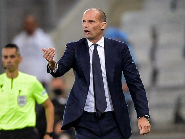 Massimiliano Allegri bahagia Juventus raih clean sheet.