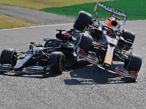 Fernando Alonso nilai kecelakaan Hamilton-Verstappen di Monza sebagai hal lumrah.
