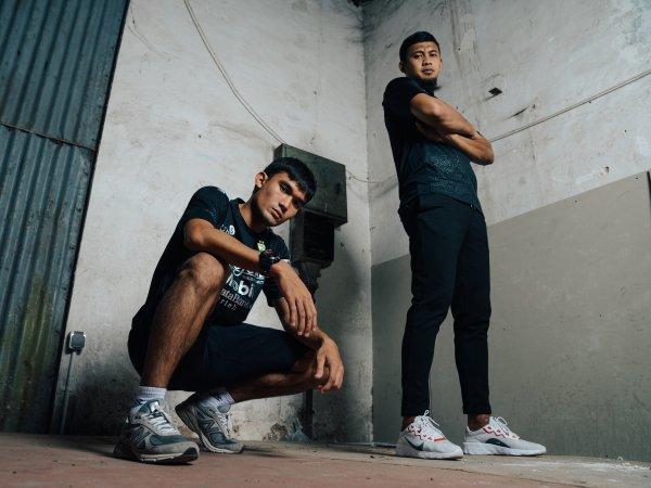 Zalnando dan Muhammad Natshir ketika memperkenalkan jersey ketiga Persib
