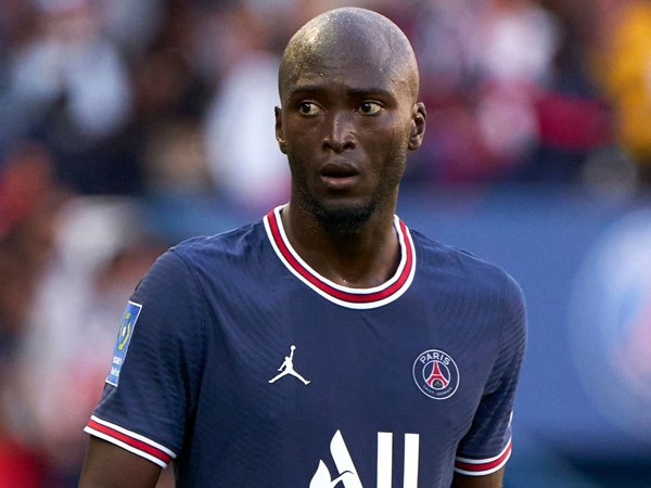 Gelandang Paris Saint-Germain, Danilo.