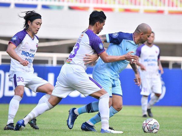 Laga Persela Lamongan kontra Persita Tangerang di Liga 1