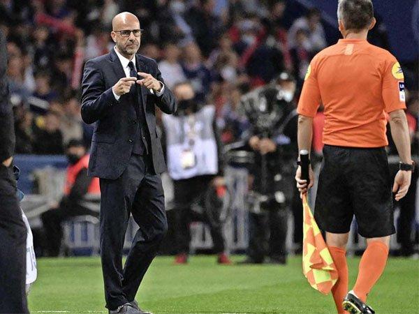 Pelatih Lyon Peter Bosz merasa timnya tidak pantas kalah dari PSG