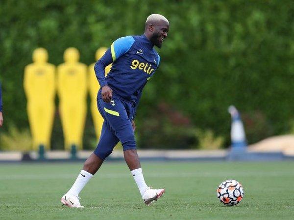 Manchester United monitor Tanguy Ndombele sebagai kandidat pengganti Paul Pogba