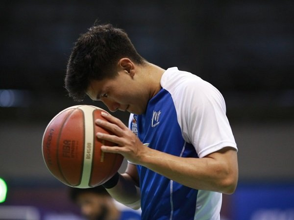 Christian Gunawan dan Bima Riski berpotensi gabung Evos Basketball untuk IBL 2022.