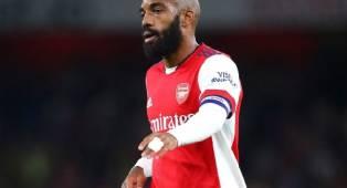 Lyon dan West Ham Tergoda dengan Striker Arsenal, Alexandre Lacazette