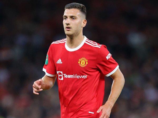 Bek sayap Manchester United, Diogo Dalot.