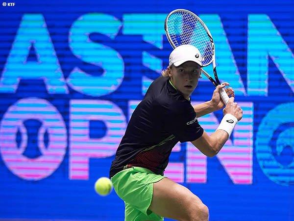 Emil Ruusuvuori jejakkan kaki di perempatfinal Astana Open 2021
