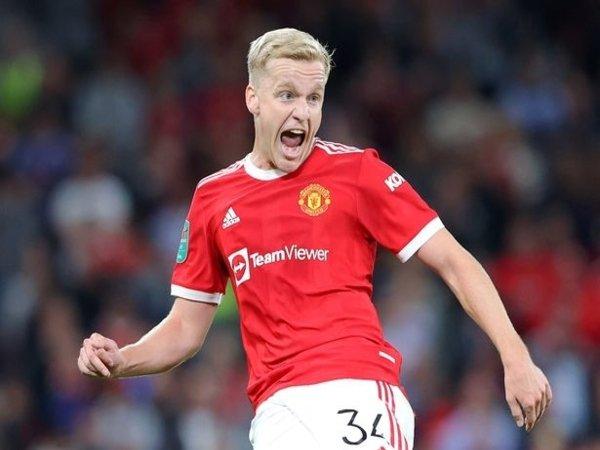 Everton dilaporkan tertarik meminjam Donny van de Beek saat bursa transfer musim dingin dibuka bulan Januari 2022 mendatang / via Getty Images
