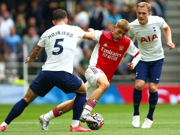 Arsenal dan Tottenham kesulitan menembus tempat Liga Champions
