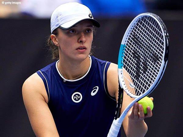 Iga Swiatek hadang Maria Sakkari demi tiket menuju final Ostrava Open 2021