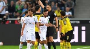 Dortmund Tumbang, Mats Hummels Tak Terima dengan Kartu Merah Dahoud