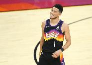 Jalani Protokol Kesehatan, Devin Booker Absen di Pemusatan Latihan Suns
