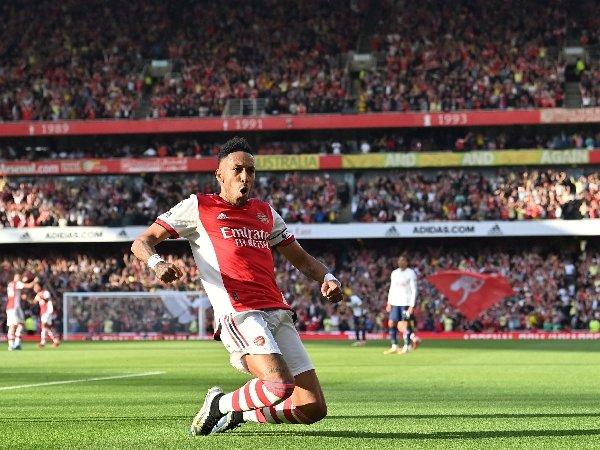 Pierre-Emerick Aubameyang memimpin Kemenangan Arsenal atas Tottenham