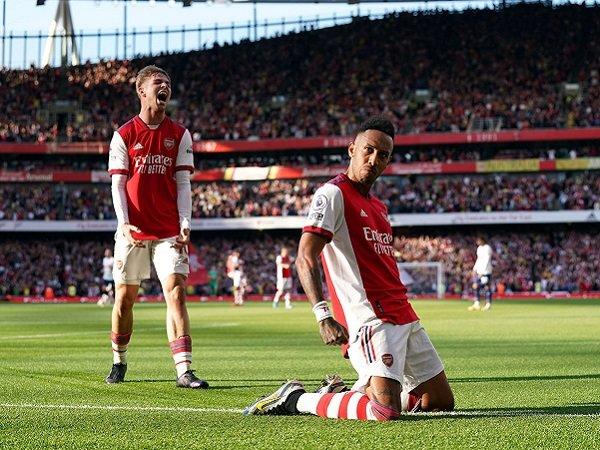 Arsenal hadapi Brighton dalam laga lanjutan Premier League.