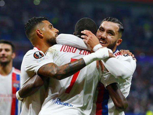 Lyon pimpin grup A dengan nilai sempurna setelah tekuk Brondby 3-0