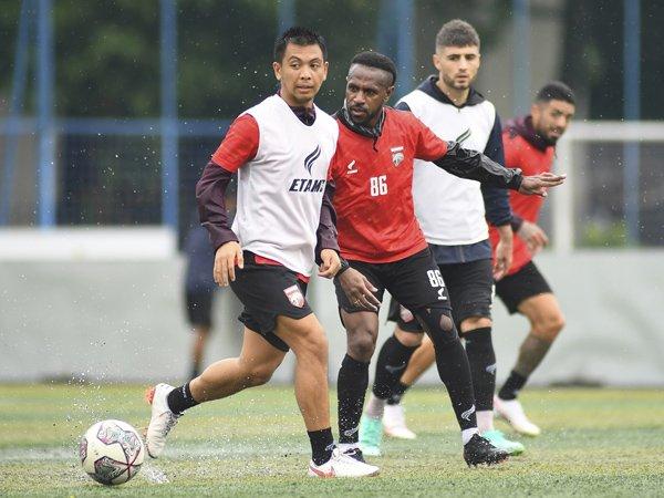 Gelandang Borneo FC, Wahyudi Hamisi