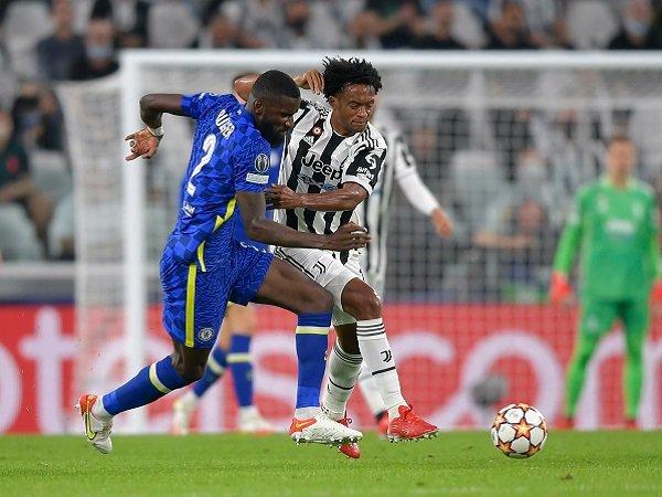 Juan Cuadrado minta Juventus persiapkan diri untuk setiap laga seakan final.