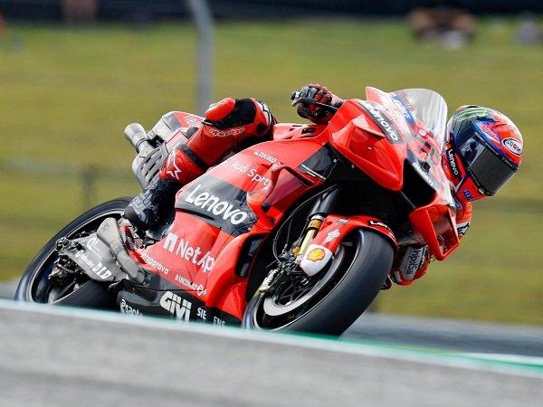 Francesco Bagnaia rebut pole position di kualifikasi MotoGP AS.