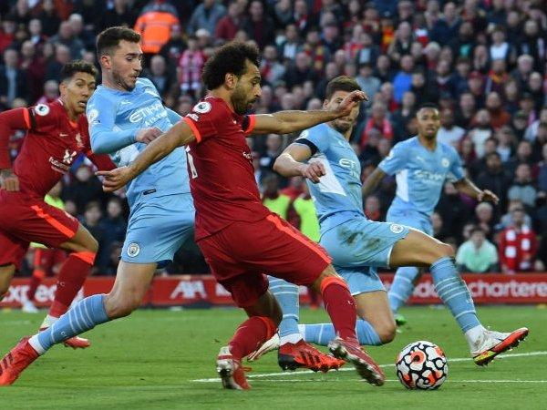 Carragher Lagi-lagi Desak Liverpool untuk Selesaikan Kontrak Salah