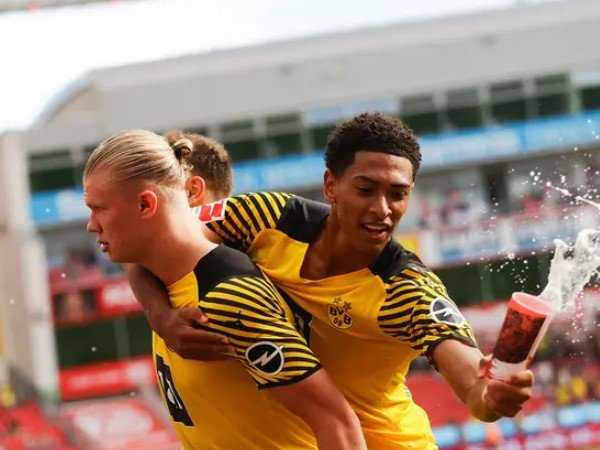 Erling Haaland Tak Terima Dikalahkan Mbappe di FIFA 22