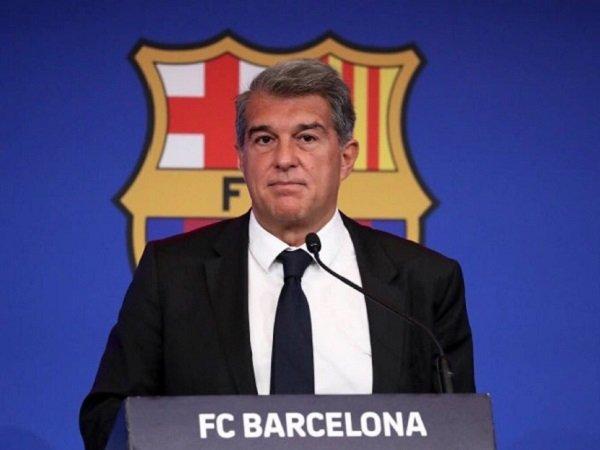 Barcelona masih punya banyak utang meski sudah berhemat.