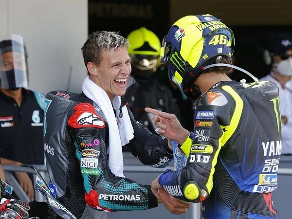 Fabio Quartararo tetap fokus raih gelar juara meski kerap disandngkan dengan Valentino Rossi.