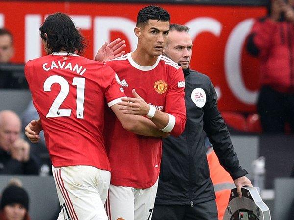 Edinson Cavani dan Cristiano Ronaldo.