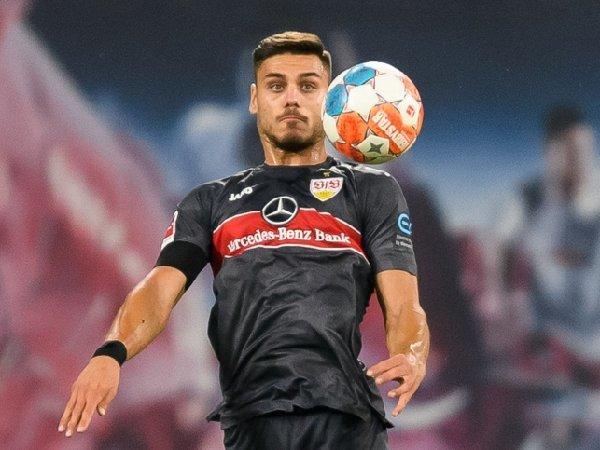Konstantinos Mavropanos sedang dipinjamkan ke Stuttgart dari Arsenal