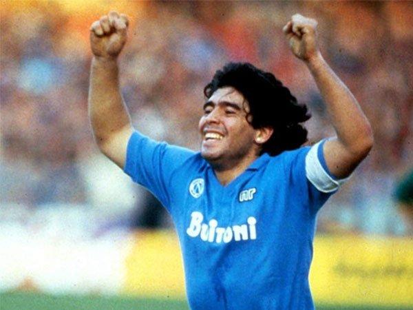 Diego Maradona pernah hampir bergabung dengan Marseille pada tahun 1989