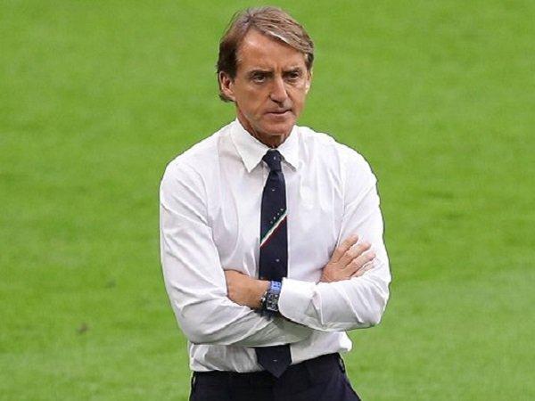 Roberto Mancini nantikan pertemuan dengan Spanyol di UEFA Nations League.