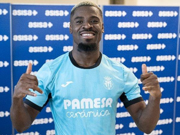 Villarreal merekrut Serge Aurier dengan status bebas transfer