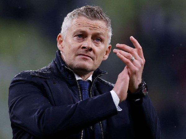 Peter Schmeichel meyakini bahwa Manchester United takkan pecat Ole Gunnar Solskjaer