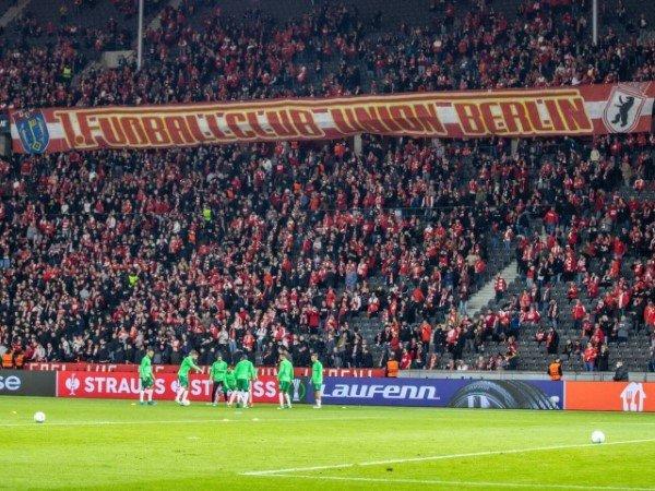 Suporter Union Berlin Rasis