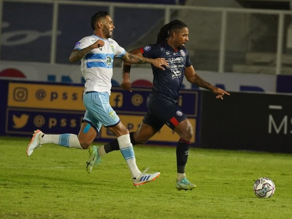 Penyerang Arema FC, Carlos Fortes