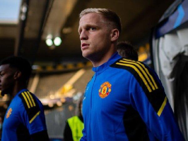 Gabby Agbonlahor sarankan Manchester United untuk lepas Donny van de Beek